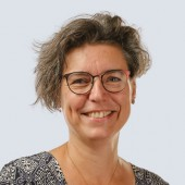 Simone de Back