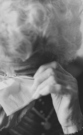 Ouderenmishandeling: het houdt niet op totdat je iets doet